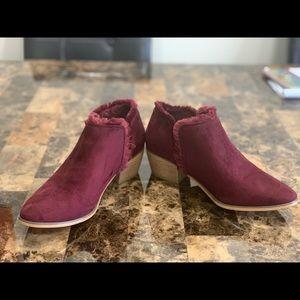 Shoes - Women shoes size 7